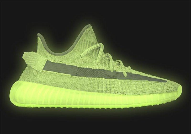 """0dfd00959e Novo adidas YEEZY BOOST 350 V2 """"Glow"""" será lançado em Maio"""