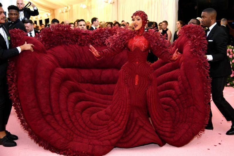 4ab0aa74c2a Rapper Cardi B diz que seu vestido de gala foi inspirado pelo feminismo