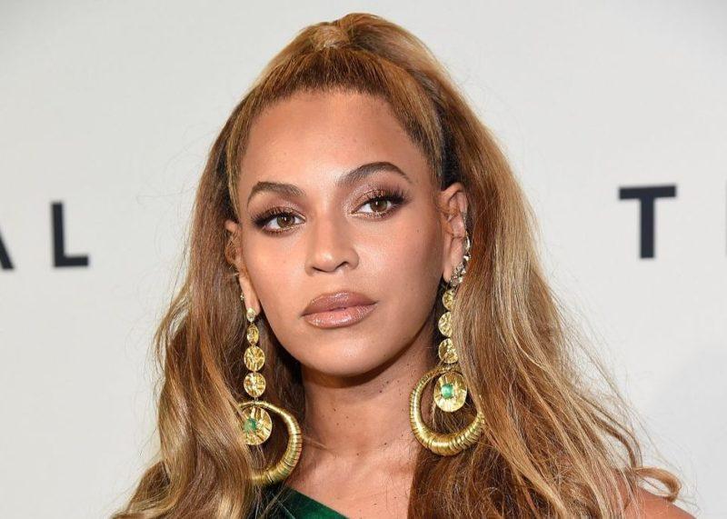 Beyonce Mostra Curvas Perfeitas Em Novas Fotos Da Colecao