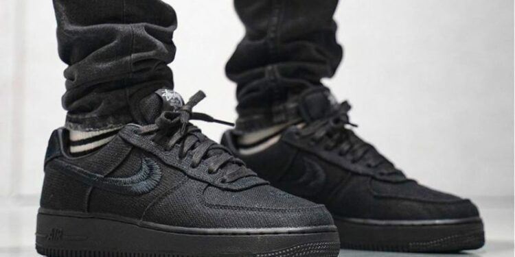 https hypebeast.com image 2020 09 stussy nike air force 1 black fossil stone on foot closer look release info cz9084 001 cz9084 200 1