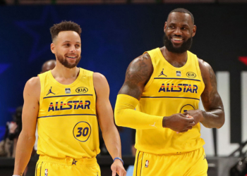 ATLANTA, GA - MARCH 7: Stephen Curry #30 and LeBron James #23 of Team LeBron smile and walk up court during the 70th NBA All Star Game as part of 2021 NBA All Star Weekend on March 7, 2021 at State Farm Arena in Atlanta, Georgia. NOTE TO USER: User expressly acknowledges and agrees that, by downloading and or using this photograph, User is consenting to the terms and conditions of the Getty Images License Agreement. Mandatory Copyright Notice: Copyright 2021 NBAE (Photo by Joe Murphy/NBAE via Getty Images)