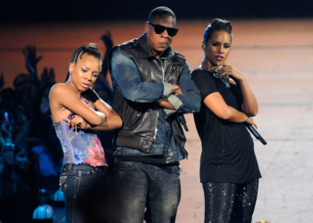 NEW YORK - SEPTEMBER 13:  (L-R) Lil Mama, Jay-Z and Alicia Keys perform onstage during the 2009 MTV Video Music Awards at Radio City Music Hall on September 13, 2009 in New York City.  (Photo by Kevin Mazur/WireImage)